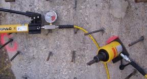 Verankeren en trekproeven betonmuur 03